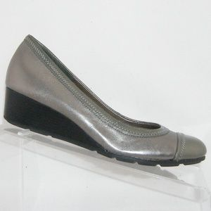 Cole Haan Milly silver leather cap toe wedges 6M